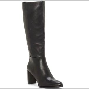 New condition Enzo Angiolini boot size 8